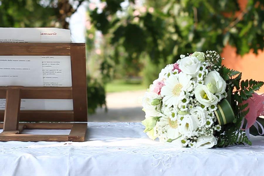 celebrante matrimonio simbolico Villa Rocchetta