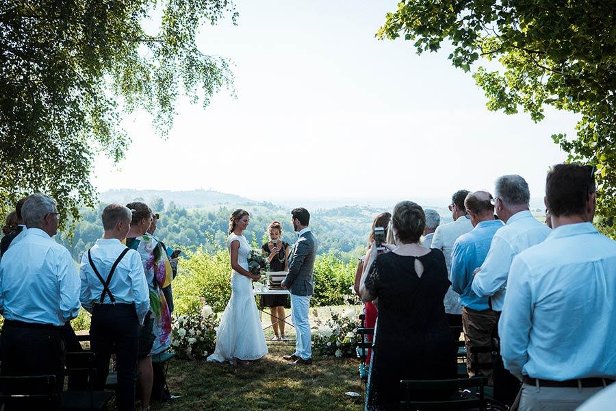 Celebrante matrimonio simbolico in Ticino