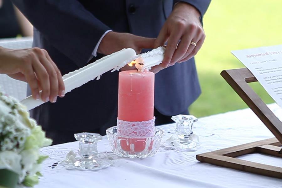 Rito delle Candele, celebrante matrimonio simbolico Lago Maggiore